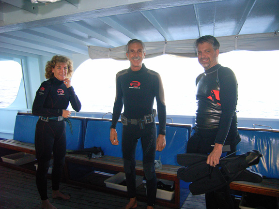 Andrew, Matt & Alexx getting ready for a dive: taken b Susan